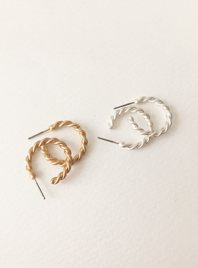 string earring (2 colors) (Allergy free)