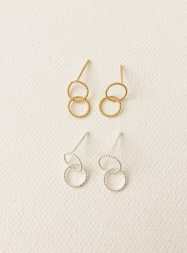 (Silver 925) circle overlap earring (2 colors)