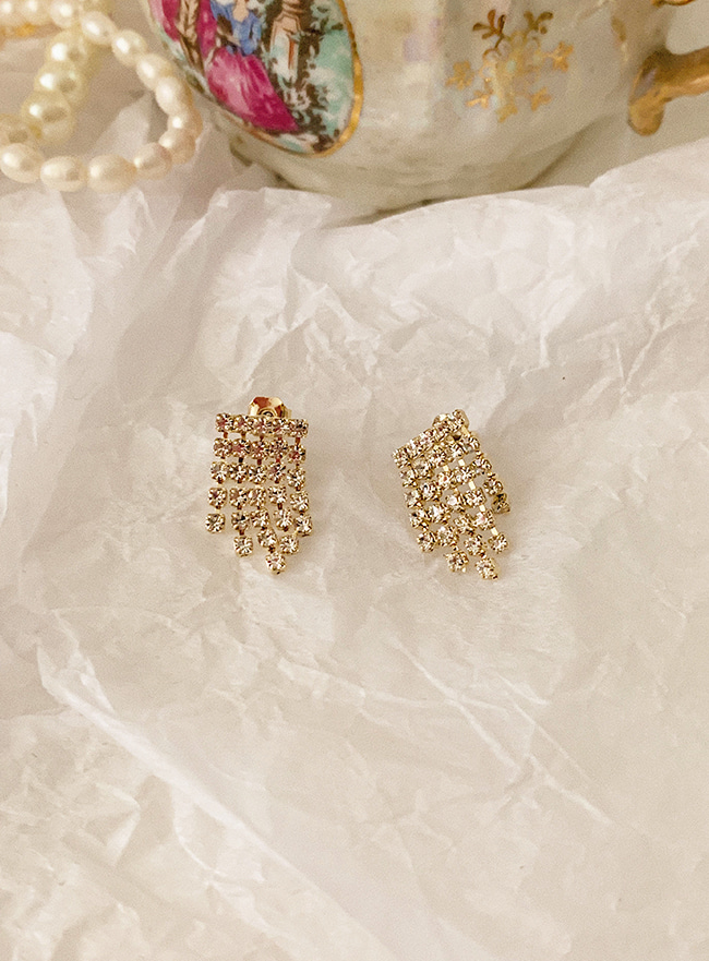 petit cubic chandelier earring (2 colors) (Allergy free)