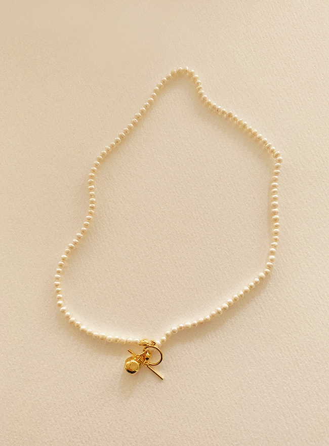 goldy pearl necklace (2 colors)