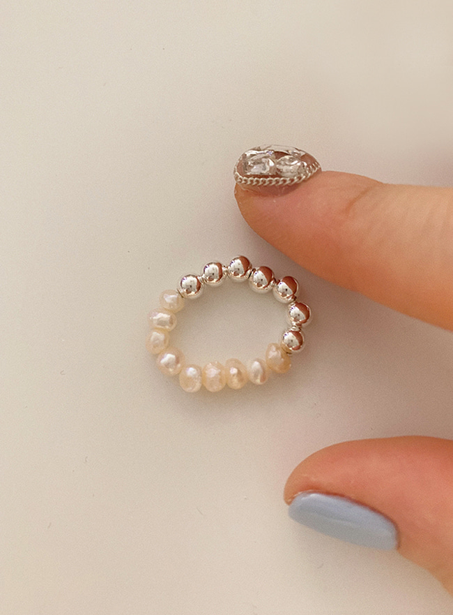 (Silver 925) pearl and ball ring