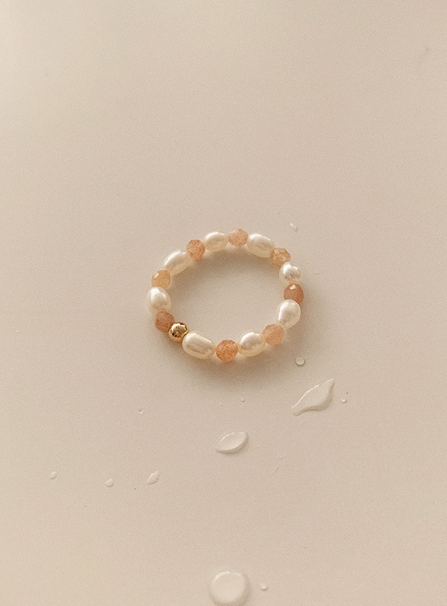 (14k gold filled) peach moonstone ring