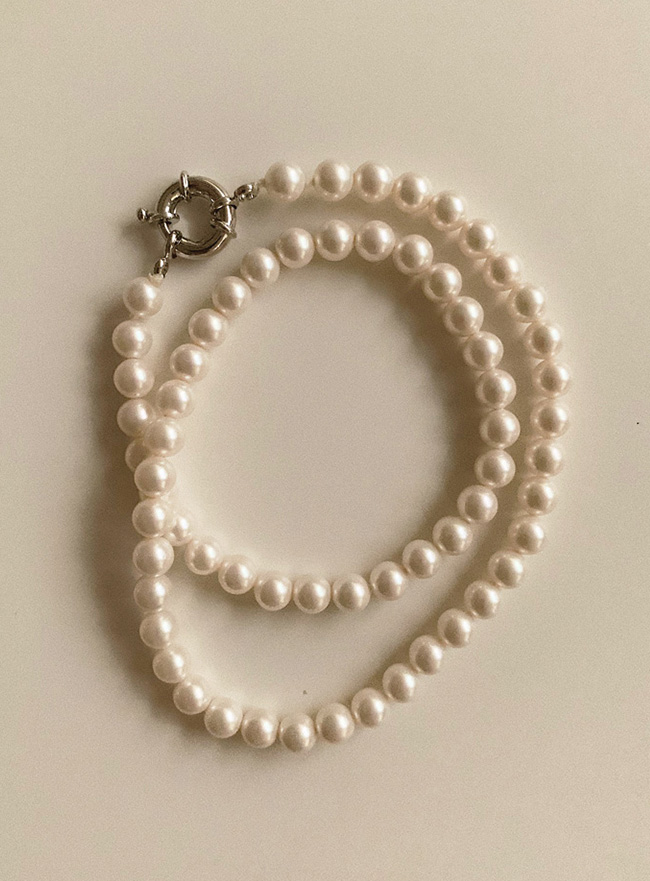 mood pearl necklace
