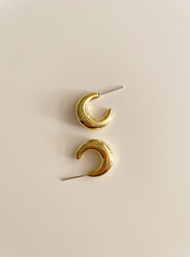 (Silver 925) Sailor Moon earring (2 colors)