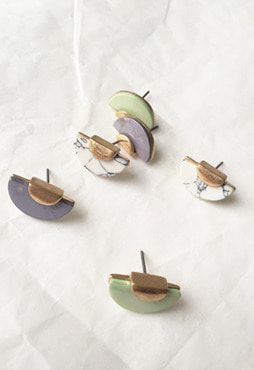 half moon nacre earring (자개, 4 colors) (Allergy free)
