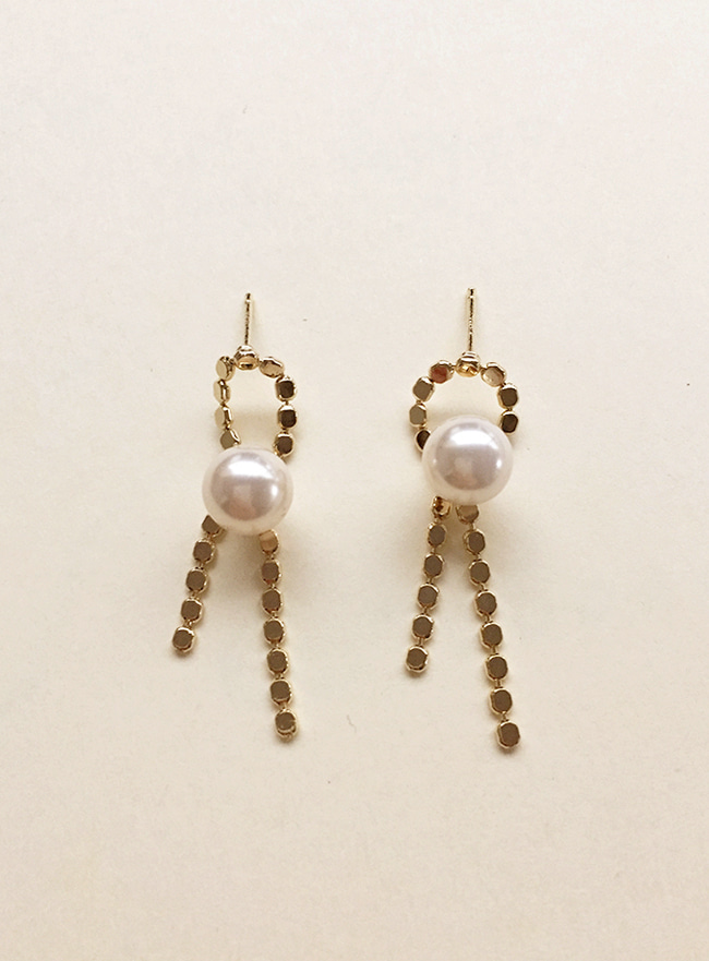 ribbon pearl earring (Allergy free)