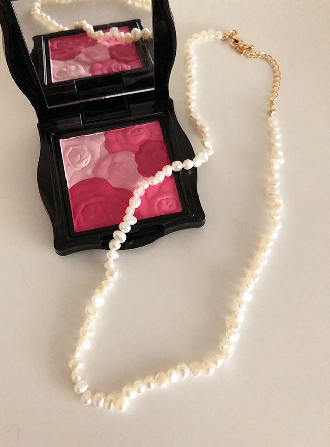 [MADE DEEP] smooth necklace (담수진주, Allergy free)