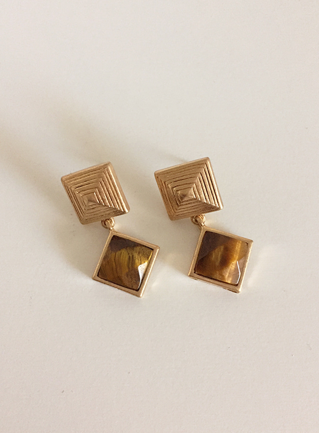 brown stone earring (원석, Allergy free)