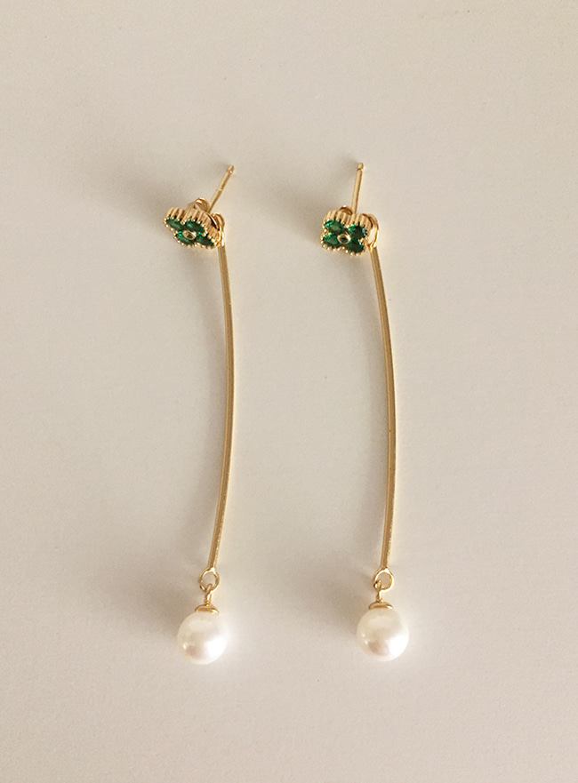 (Silver 925 + 16k Gold plating) greenish cubic earring