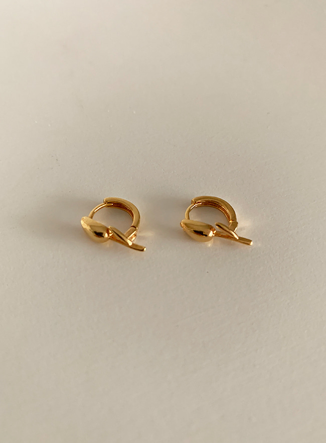 [골드 2차 재입고] (Silver 925) mini tulip earring (2 colors)