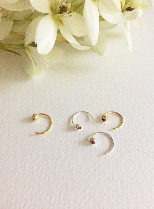 (Silver 925) cubic curve earring (2 colors)