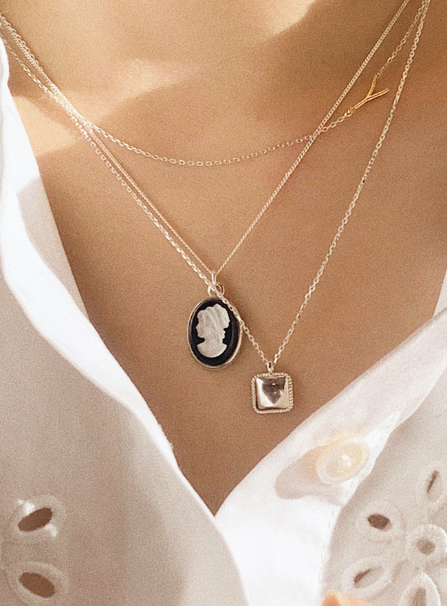 (Silver 925) classy cameo necklace (2 colors)